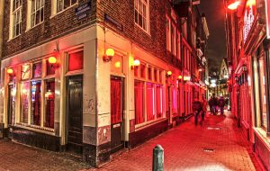 В Амстердаме перенесут «квартал красных фонарей» из центра города