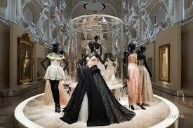 В лондонском музее Виктории и Альберта откроется выставка «Кристиан Диор: дизайнер мечты»