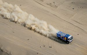 «Дакар» оставляет лидерство за экипажем «КамАЗ-мастера» и добавляет спортивного драматизма