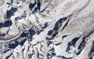 Изменение климата уничтожит треть гималайских ледников