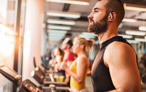 Жиросжигающие тренировки для мужчин в тренажерном зале