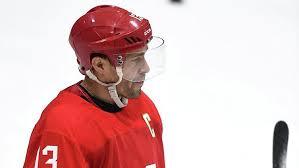 Нападающий сборной России по хоккею Павел Дацюк официально заключил однолетний контракт с «Автомобилистом»