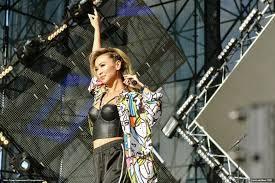 В столице Казахстана прошёл концерт с участием ведущих российских исполнителей