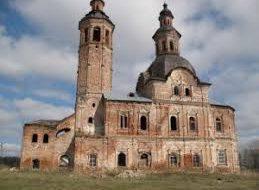 В Кировской области волонтеры пытаются сохранить Воскресенскую церковь