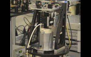 Специальный прибор превращает квантовое определение килограмма в реальную массу