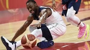 Баскетболисты США проиграли Франции на ЧМ по баскетболу