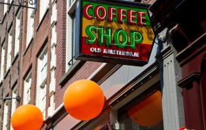 Туристам могут запретить посещать кофешопы в Нидерландах