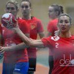 Женская сборная России по гандболу досрочно гарантировала себе место в полуфинале