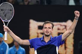 Четвертая ракетка мира россиянин Даниил Медведев завершил выступление на Открытом чемпионате Австралии