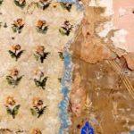 Фрагмент исторических обоев обнаружили в доме-музее Римского-Корсакова в Тихвине