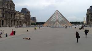В Европе из-за эпидемии продолжают закрывать музеи и галереи