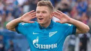 Казанский «Рубин» пополнит состав полузащитником «Зенита» Олегом Шатовым и  Кириллом Косаревым.