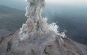 Беспилотники помогают изучить действующие вулканы с близкого расстояния