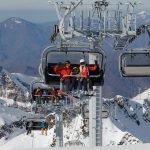 Курорт Красная Поляна вводит скидку 50% на зимние сезонные ски-пассы