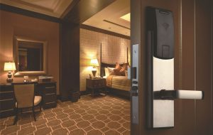 Достоинства электронных замков для отелей