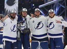 Хоккеисты клуба «Тампа-Бэй» стали обладателями Кубка Стэнли