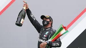 Британский гонщик «Мерседеса» Льюис Хэмилтон финишировал первым на Гран-при Португалии
