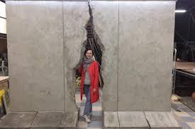 В парке «Музеон» «обрушили» Берлинскую стену