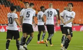 «Валенсия» в матче чемпионата Испании разгромила на своем поле «Реал» — 4:1