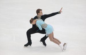 Бойкова и Козловский победили в парном катании на этапе Гран-при в Москве