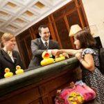 Бизнес просит изменить правила заселения несовершеннолетних граждан в отели
