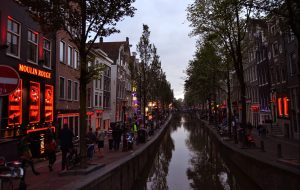 Мэр Амстердама предложила запретить продажу марихуаны туристам