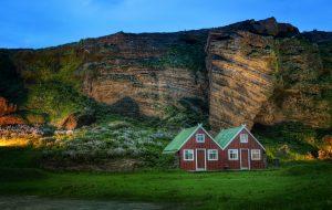 Исландия готова принимать вакцинированных туристов без карантина
