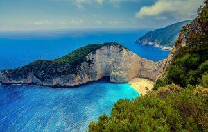 Греция продлила квоту по въезду 4000 российских туристов в неделю