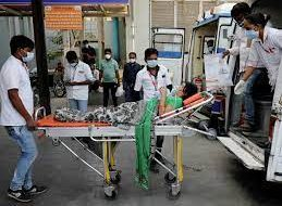 Больницы в Индии заявили об острейшем дефиците кислорода для пациентов с COVID-19