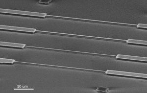 Физики создали наноэлектромеханическую систему для захвата квантового вихря