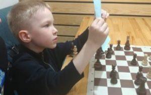 Пятилетний шахматист обыграл спортивных бюрократов