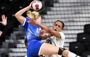 Женская сборная России по гандболу в финале Игр уступила соперницам из Франции