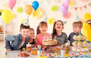 Нюансы правильного оформления стола на детский праздник